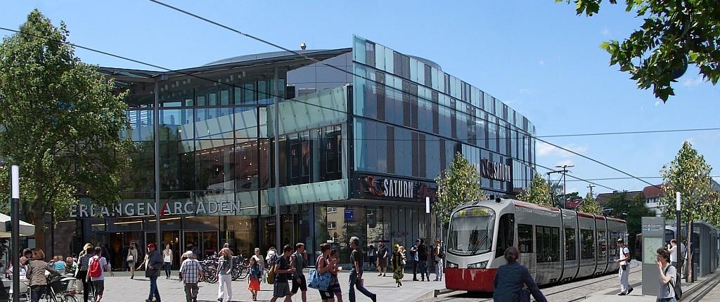Fotomontage Straßenbahn vor den Arcaden in Erlangen